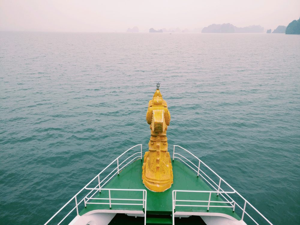Cruising Bai Tu Long Bay On Dragon Legend